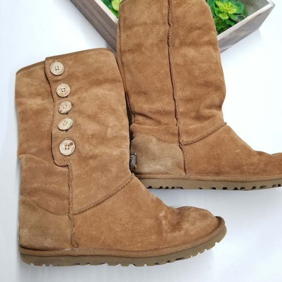 d63bc4f0dd5 UGG Lo Pro Button Boots LOGO lined 3387